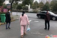 棉原社区党总支书记王坤:我是党员,我先上!